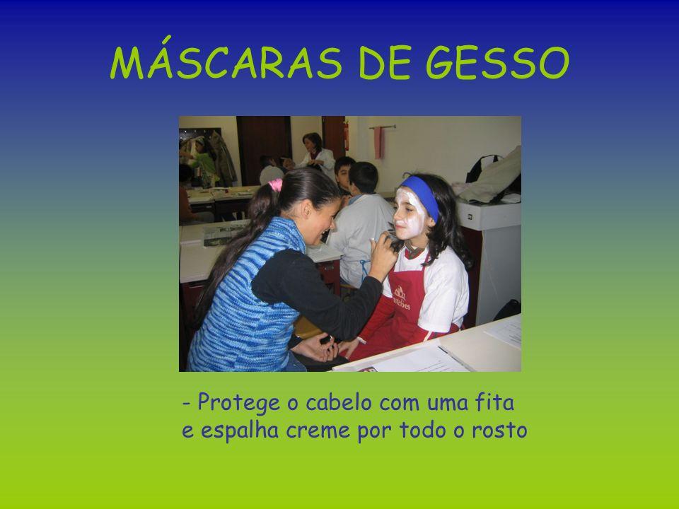 MÁSCARAS DE GESSO - Protege o cabelo com uma fita