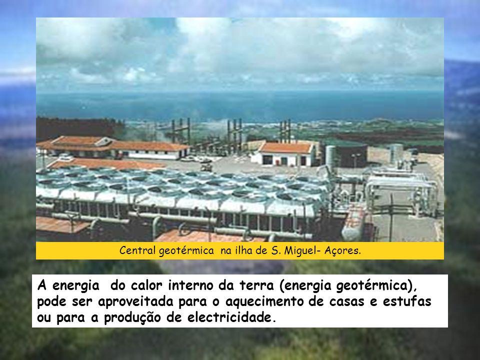 Central geotérmica na ilha de S. Miguel- Açores.