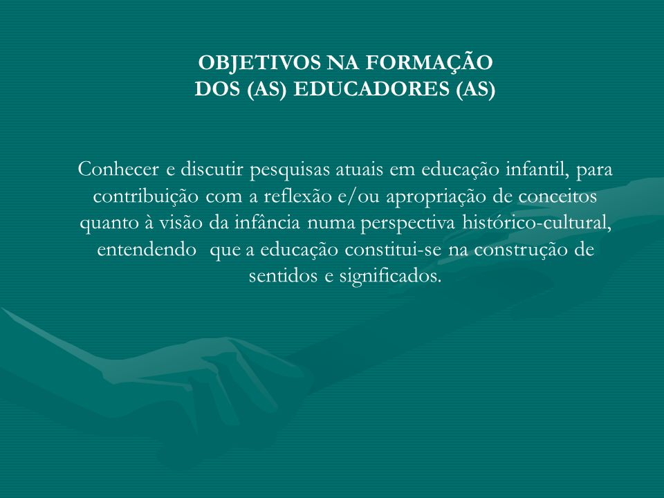 DOS (AS) EDUCADORES (AS)