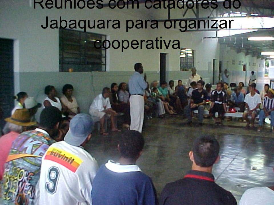 Reuniões com catadores do Jabaquara para organizar cooperativa
