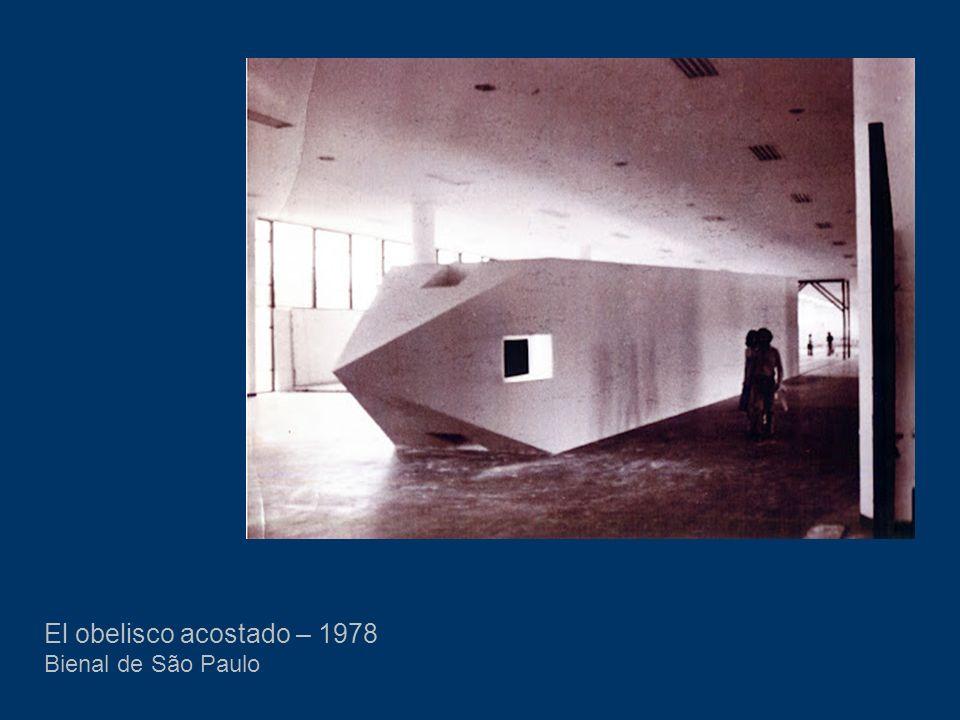 El obelisco acostado – 1978 Bienal de São Paulo
