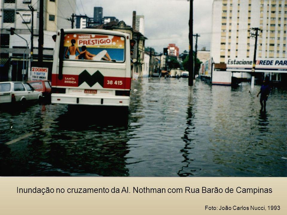 Inundação no cruzamento da Al. Nothman com Rua Barão de Campinas