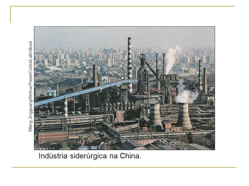Indústria siderúrgica na China.