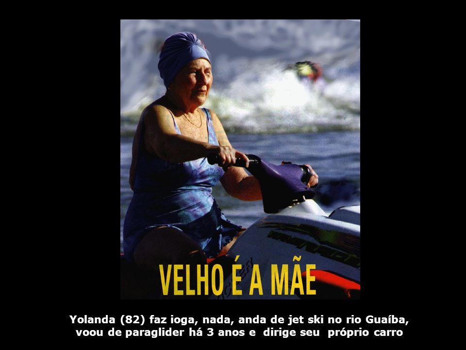 Yolanda (82) faz ioga, nada, anda de jet ski no rio Guaíba,