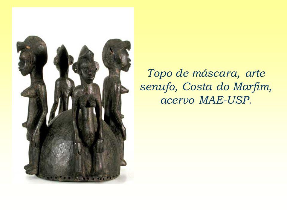 Topo de máscara, arte senufo, Costa do Marfim, acervo MAE-USP.