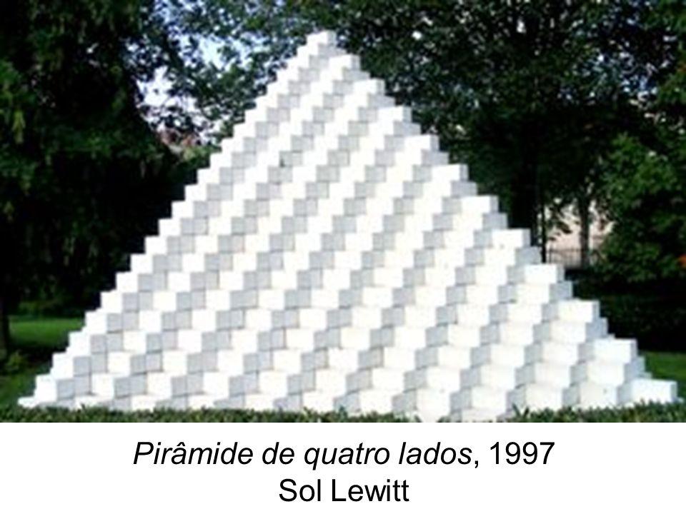 Pirâmide de quatro lados, 1997 Sol Lewitt