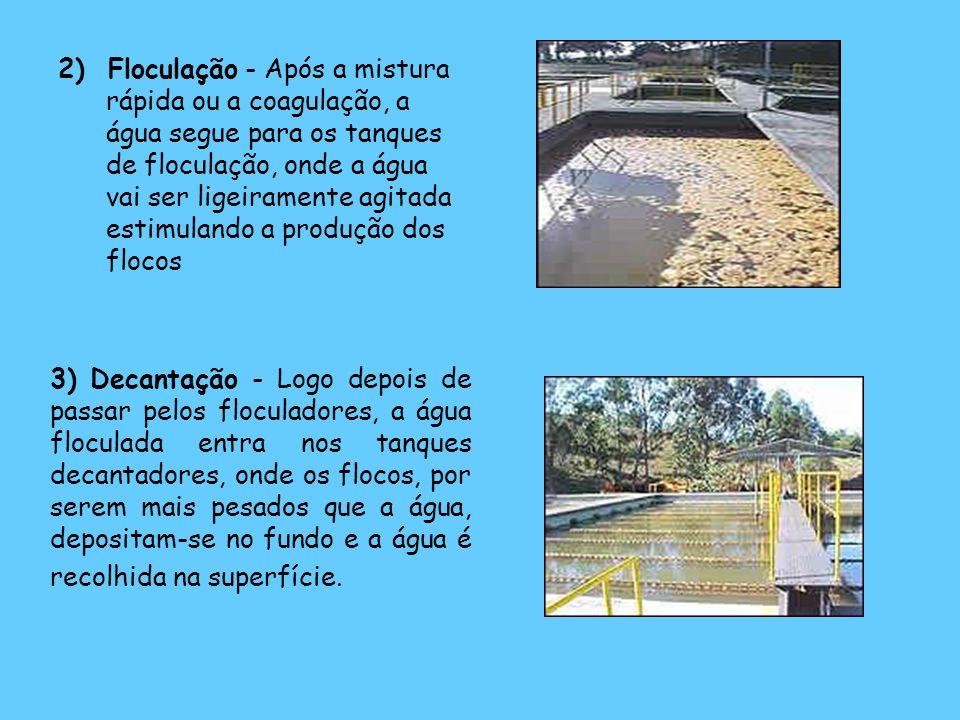 2) Floculação - Após a mistura rápida ou a coagulação, a água segue para os tanques de floculação, onde a água vai ser ligeiramente agitada estimulando a produção dos flocos