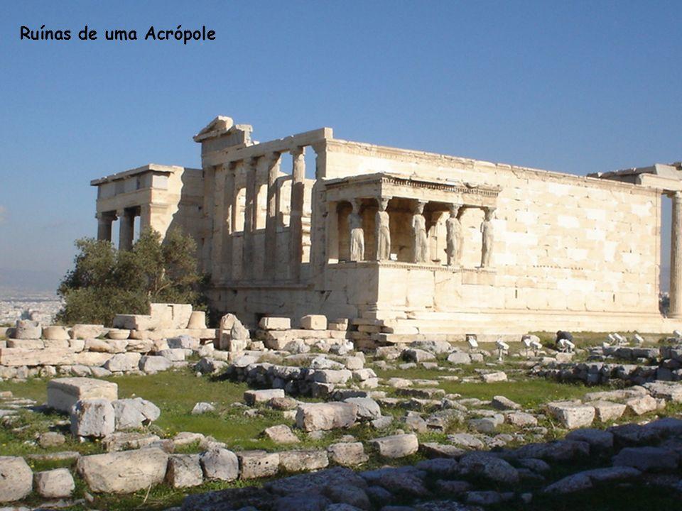 Ruínas de uma Acrópole