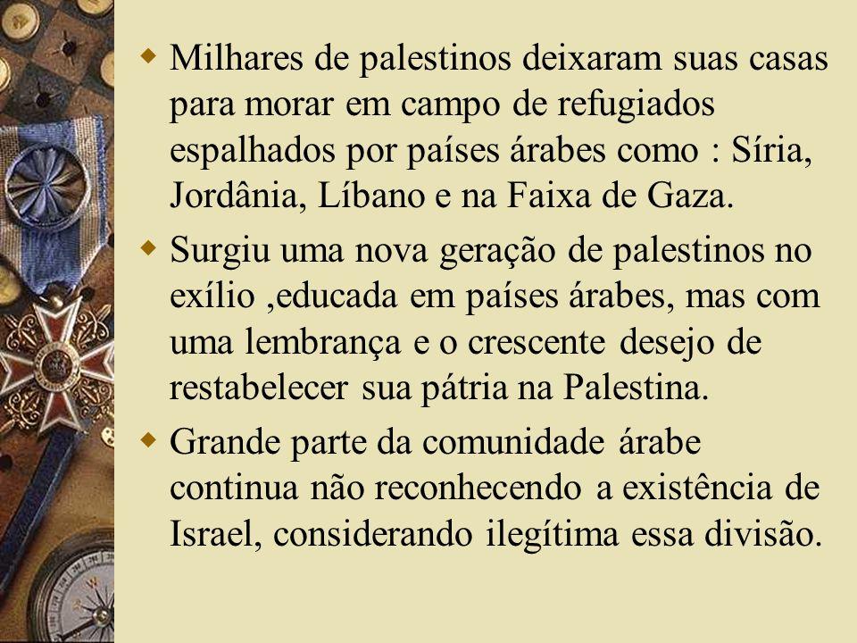 Milhares de palestinos deixaram suas casas para morar em campo de refugiados espalhados por países árabes como : Síria, Jordânia, Líbano e na Faixa de Gaza.