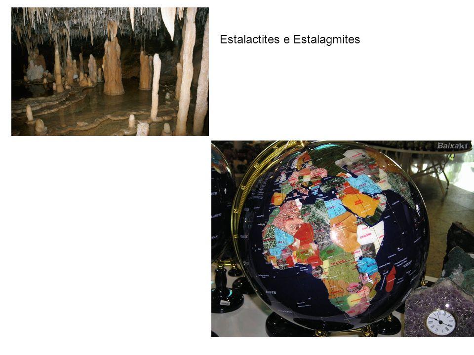 Estalactites e Estalagmites