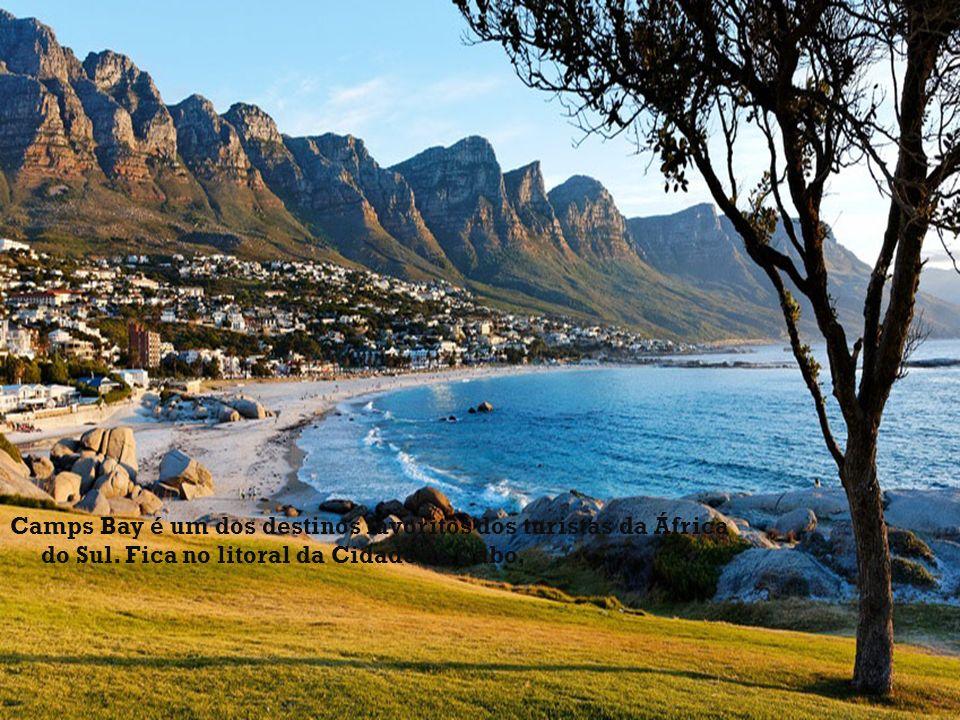 Camps Bay é um dos destinos favoritos dos turistas da África do Sul