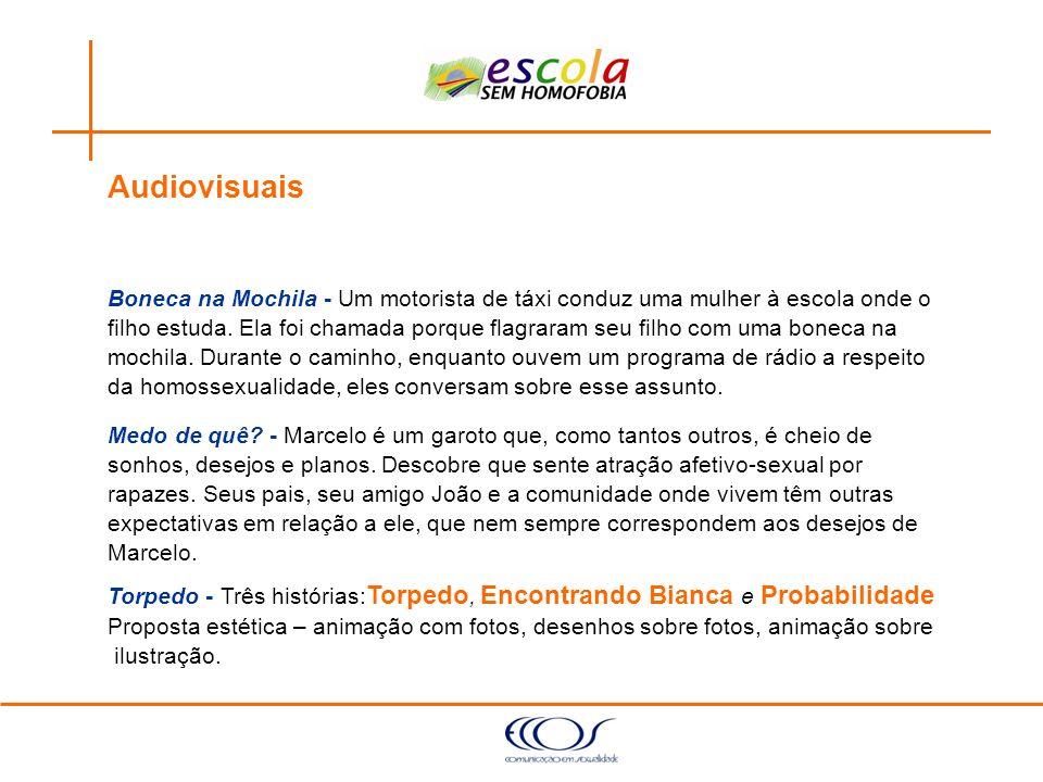 Audiovisuais Boneca na Mochila - Um motorista de táxi conduz uma mulher à escola onde o.