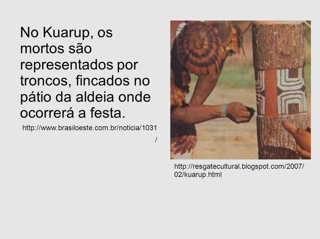 No Kuarup, os mortos são representados por troncos, fincados no pátio da aldeia onde ocorrerá a festa.