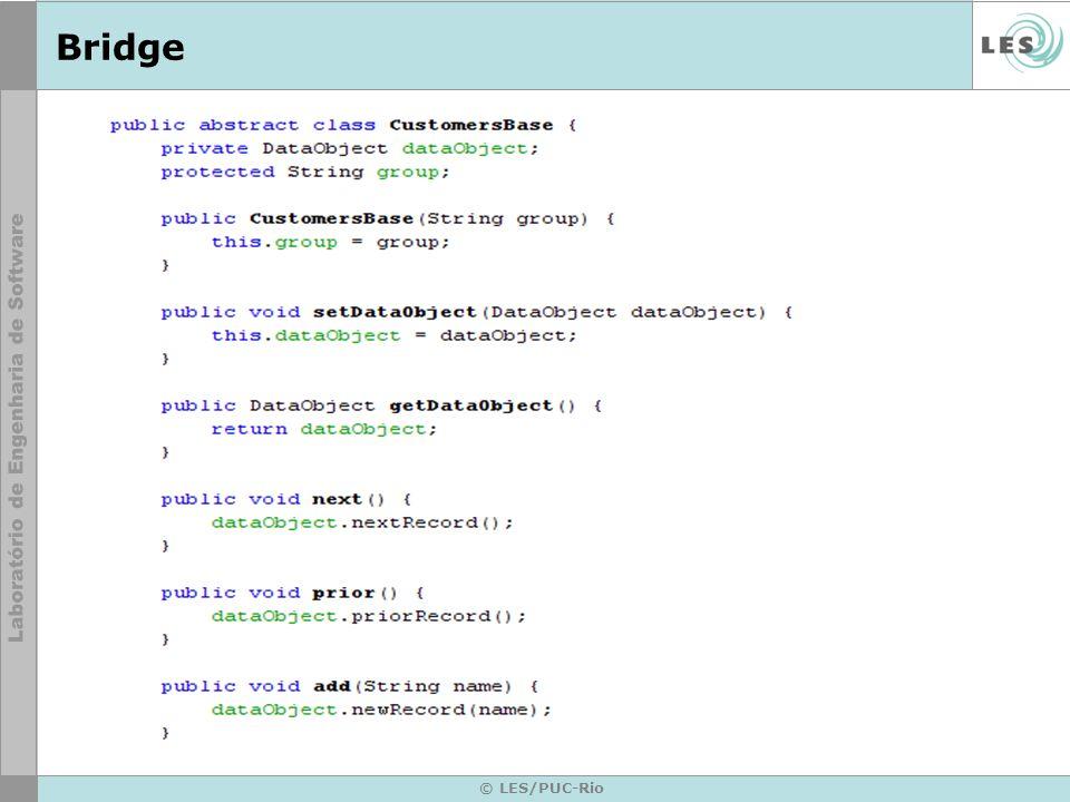 BridgeAbstration: define uma interfase abstrata.mantém uma referencia ao objeto tipo implementor.
