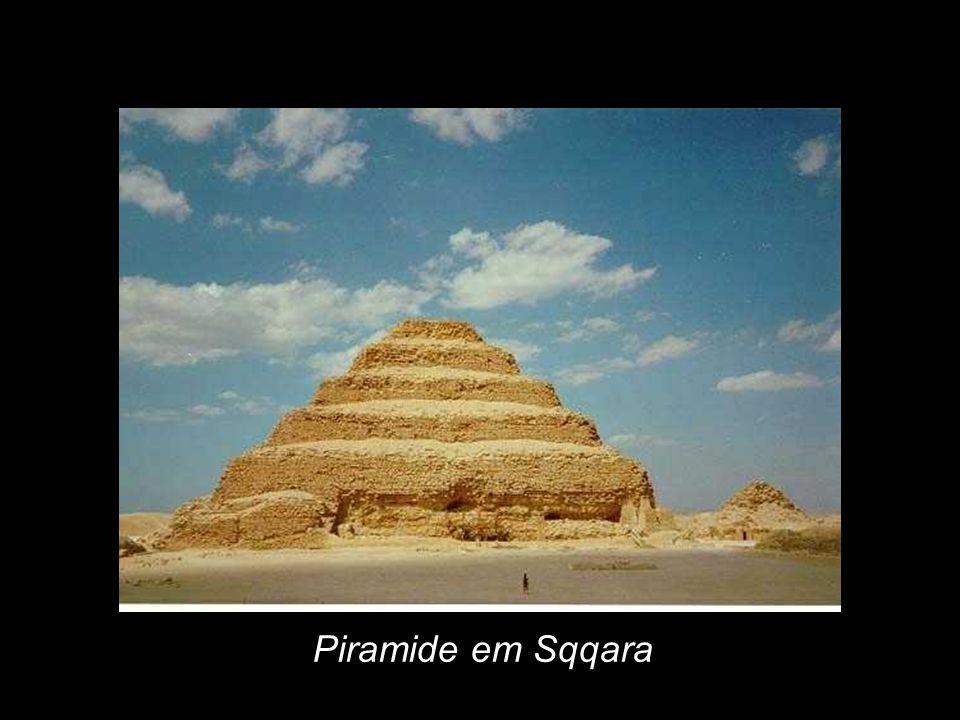 Piramide em Sqqara