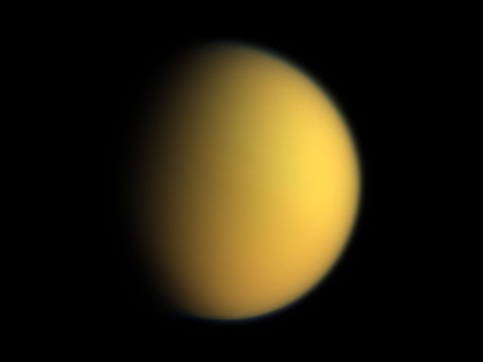 http://astropt.org/blog/wp-content/uploads/2008/03/titan_in_natural_color_cassini.jpg