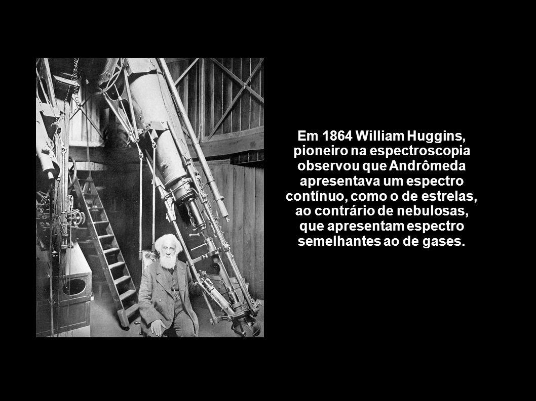 Em 1864 William Huggins, pioneiro na espectroscopia observou que Andrômeda apresentava um espectro contínuo, como o de estrelas, ao contrário de nebulosas, que apresentam espectro semelhantes ao de gases.