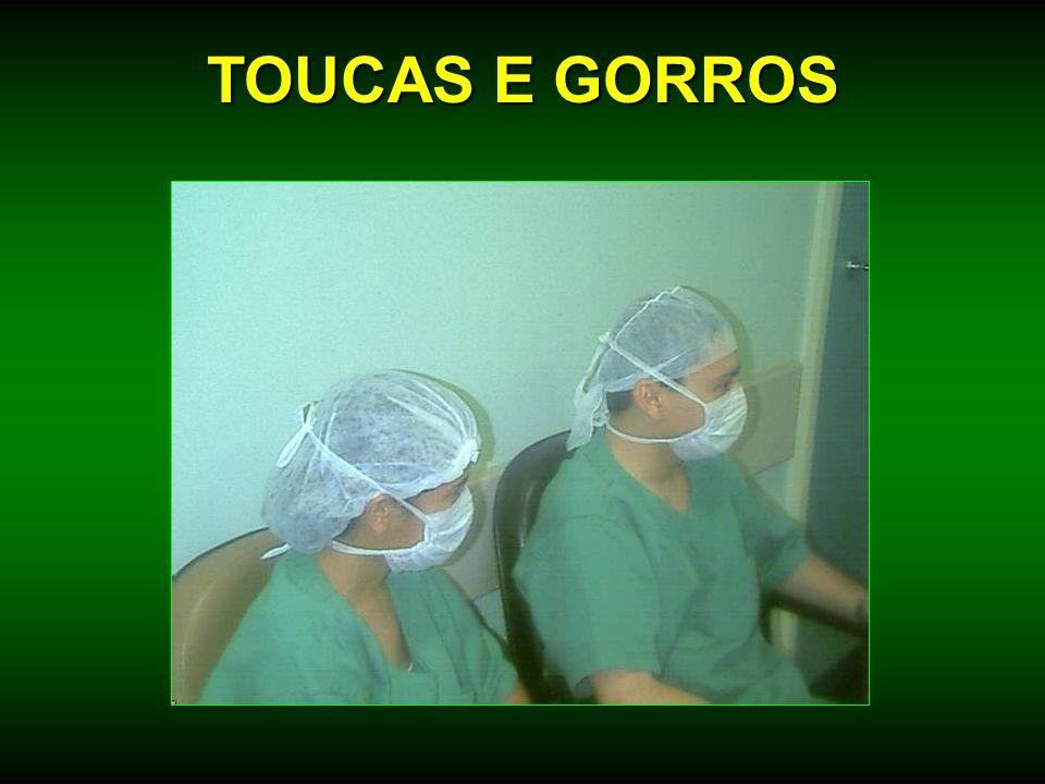 TOUCAS E GORROS
