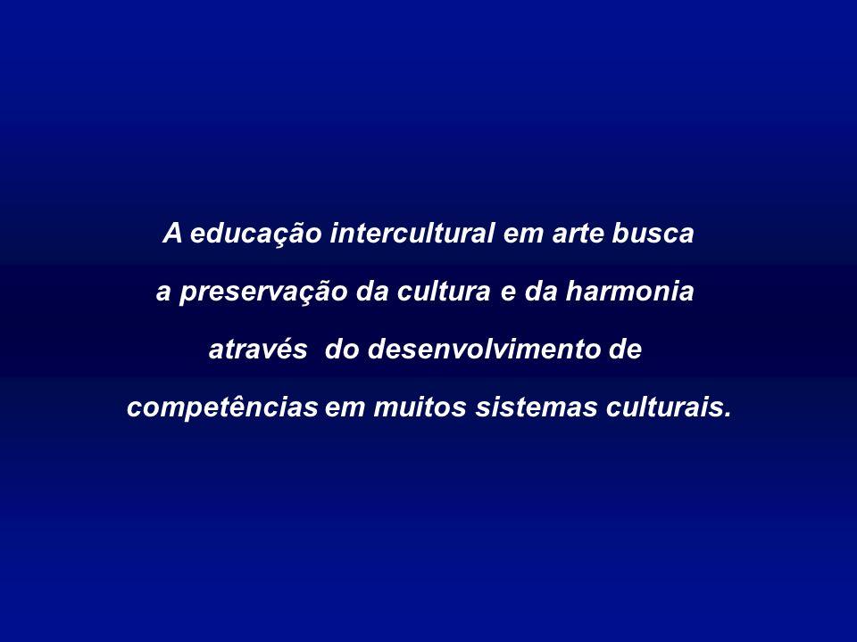 A educação intercultural em arte busca