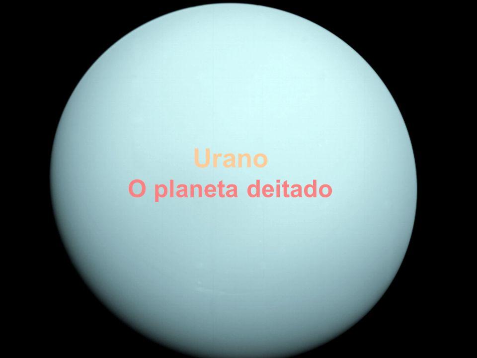 Urano O planeta deitado