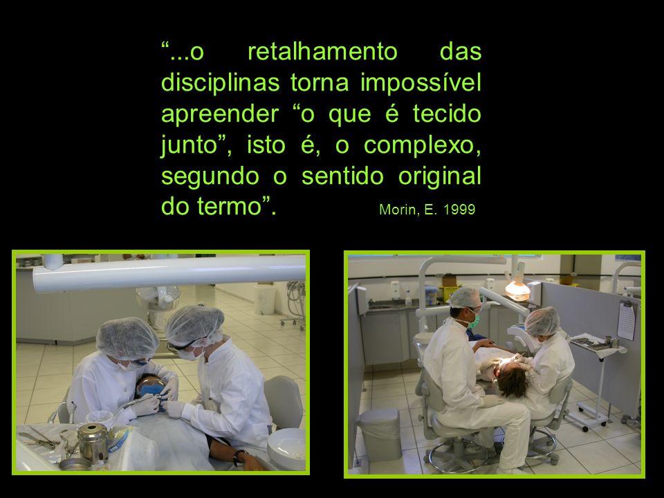 ...o retalhamento das disciplinas torna impossível apreender o que é tecido junto , isto é, o complexo, segundo o sentido original do termo .