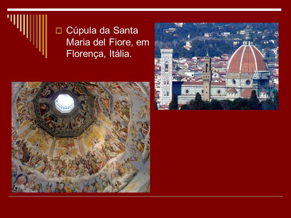 Cúpula da Santa Maria del Fiore, em Florença, Itália.