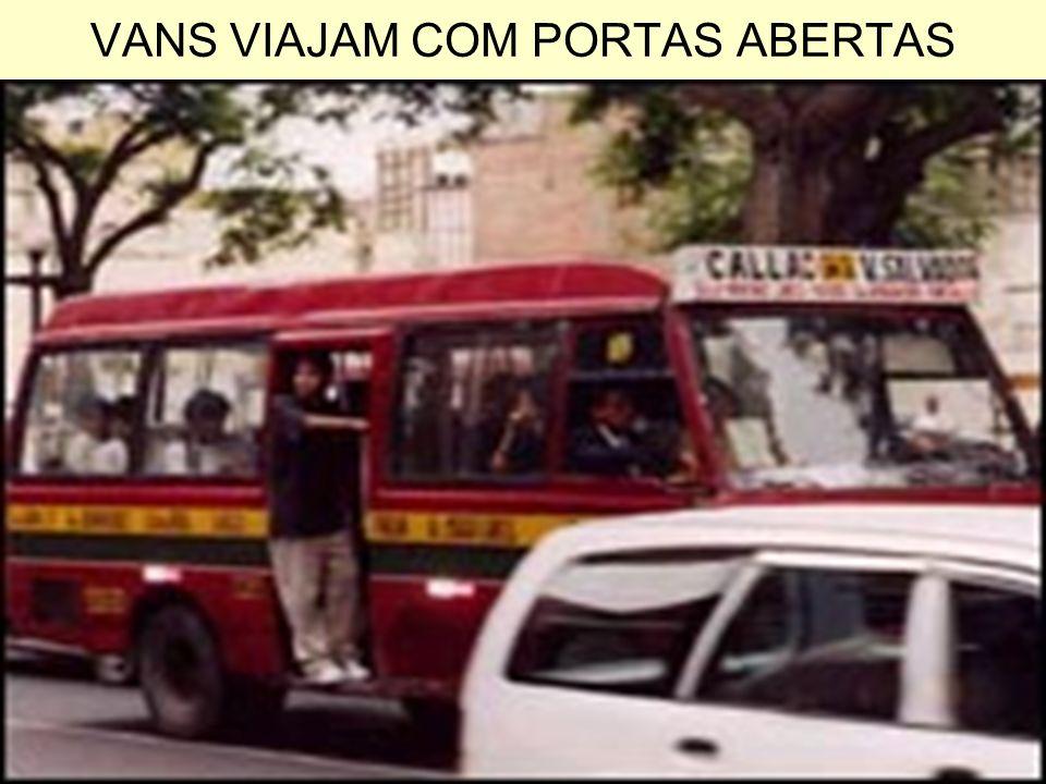 VANS VIAJAM COM PORTAS ABERTAS