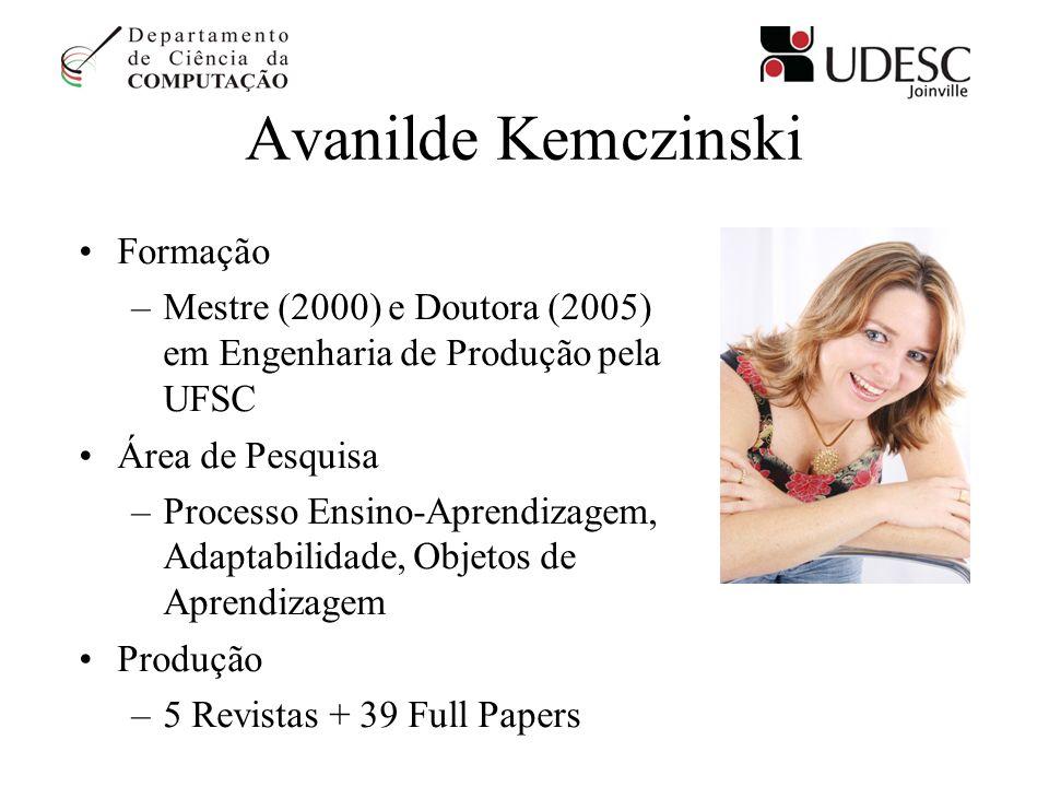 Avanilde Kemczinski Formação