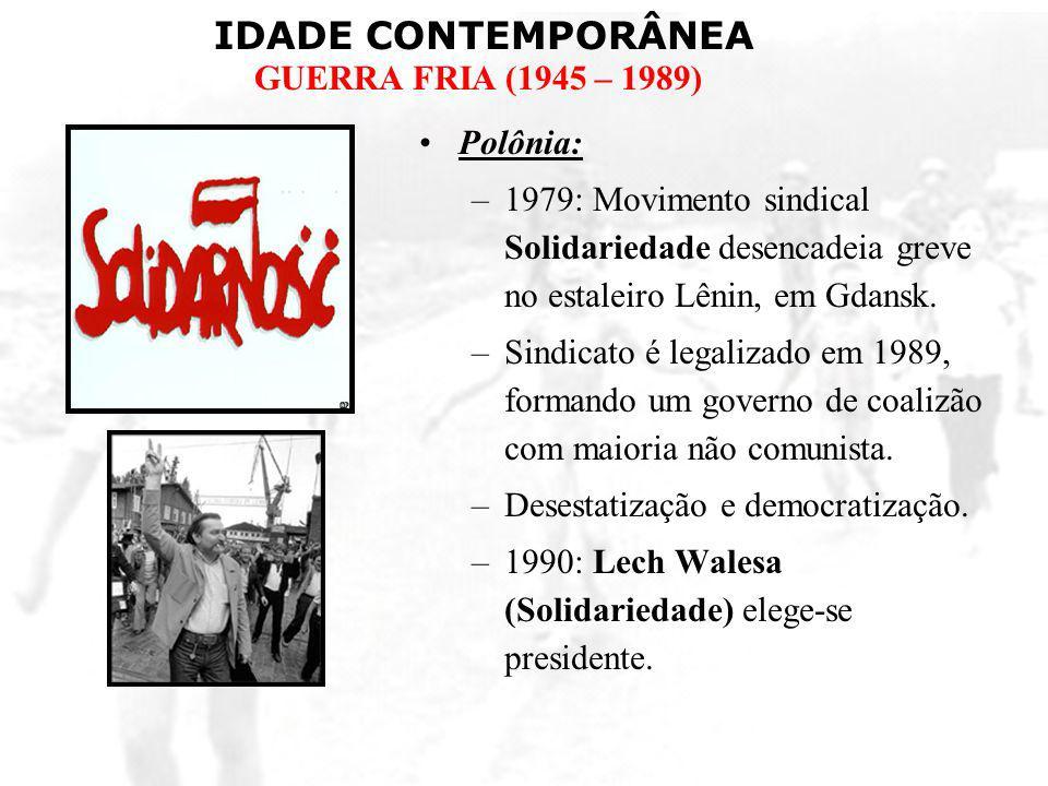 Polônia:1979: Movimento sindical Solidariedade desencadeia greve no estaleiro Lênin, em Gdansk.