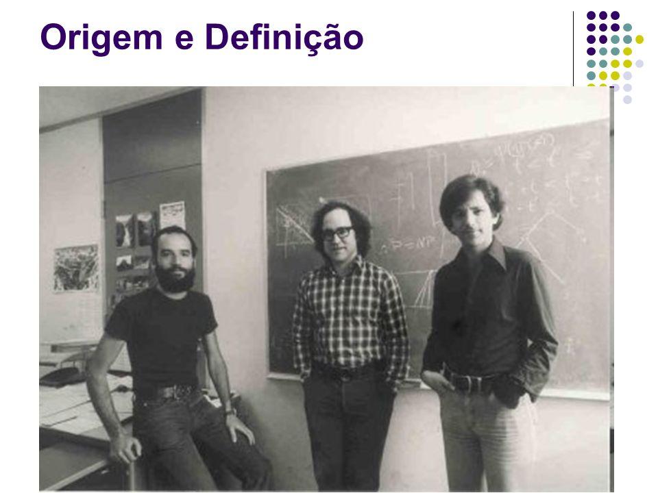 Origem e Definição Inventado por Ron Rivest, Adi Chamir e Len Adleman e publicado em 1977.