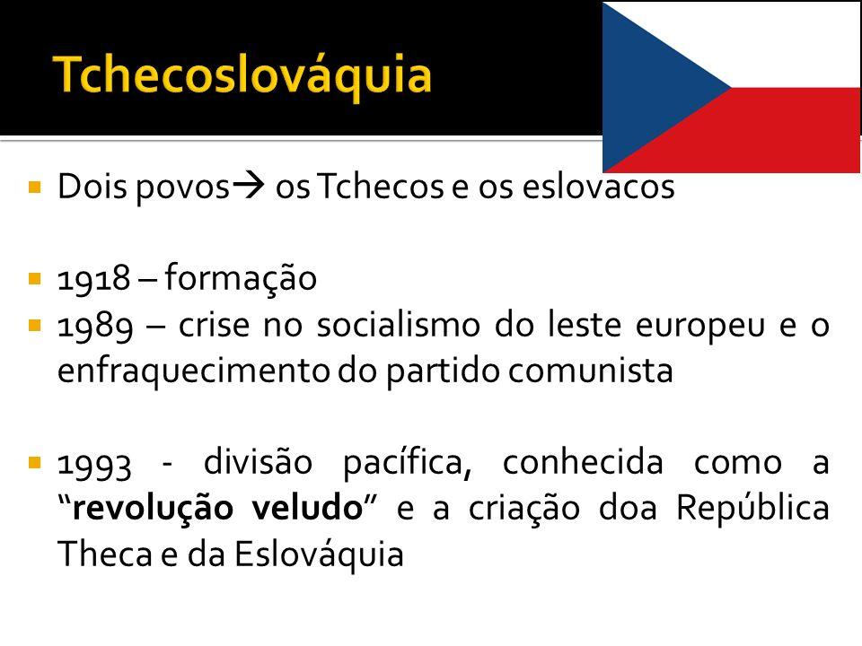 Tchecoslováquia Dois povos os Tchecos e os eslovacos 1918 – formação