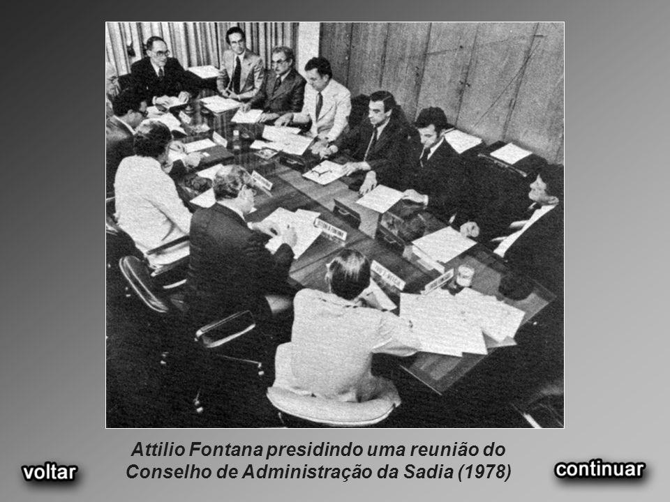 Attilio Fontana presidindo uma reunião do Conselho de Administração da Sadia (1978)
