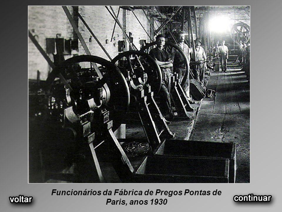 Funcionários da Fábrica de Pregos Pontas de Paris, anos 1930
