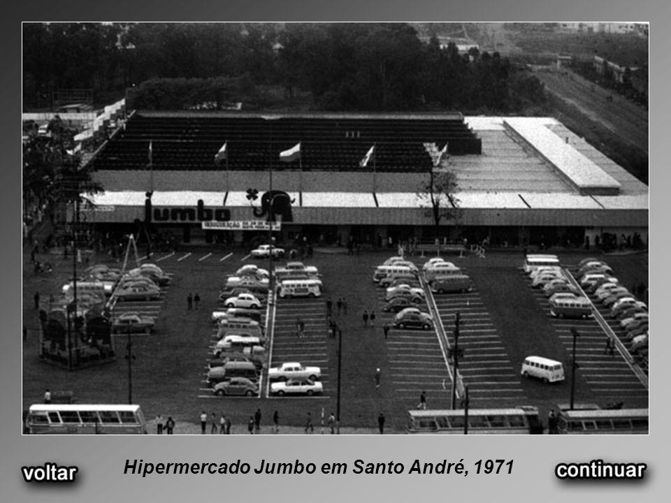 Hipermercado Jumbo em Santo André, 1971