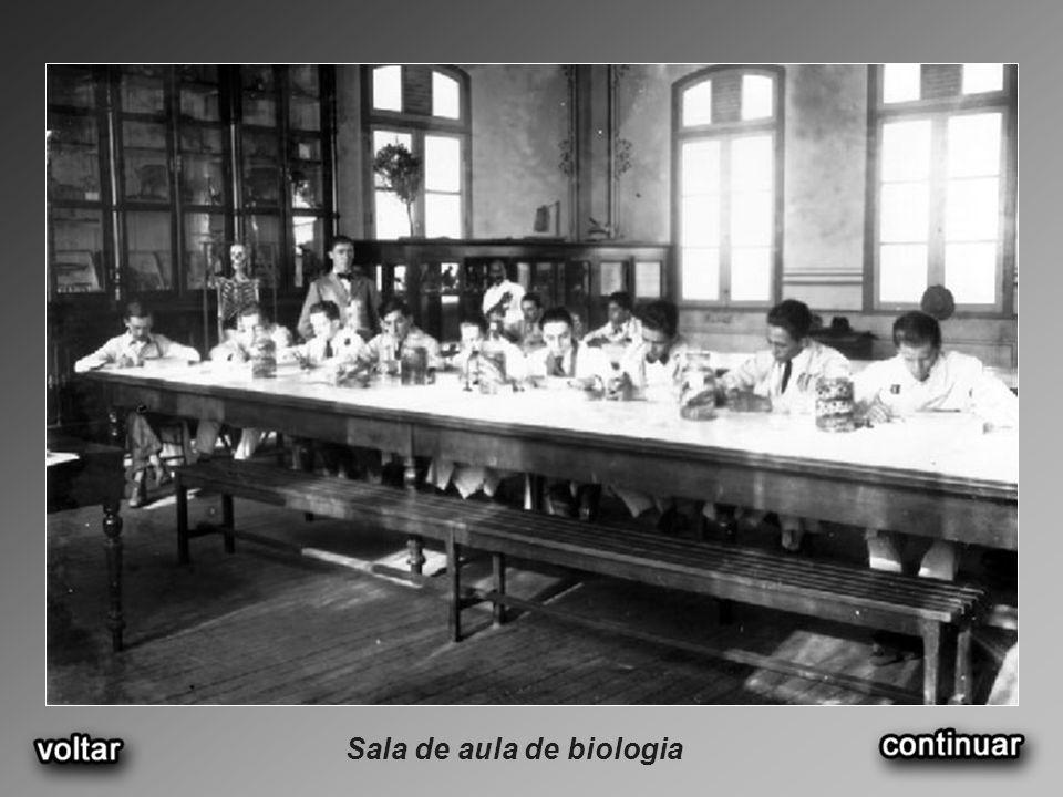 Sala de aula de biologia