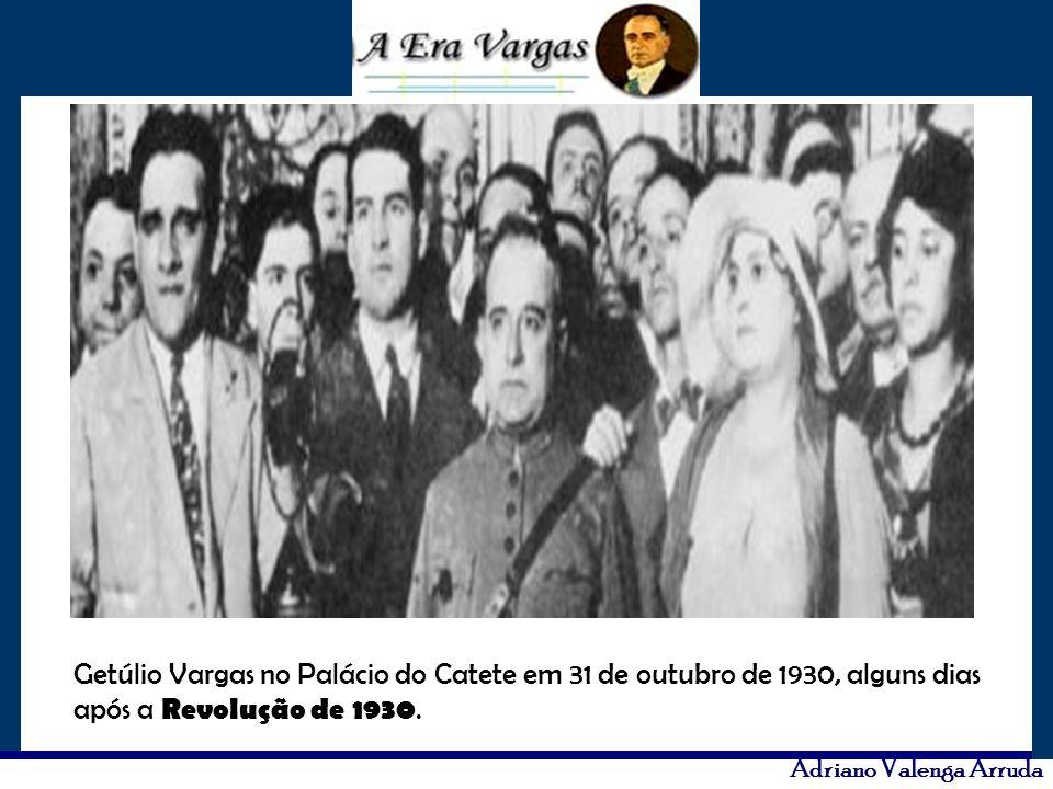 Getúlio Vargas no Palácio do Catete em 31 de outubro de 1930, alguns dias após a Revolução de 1930.