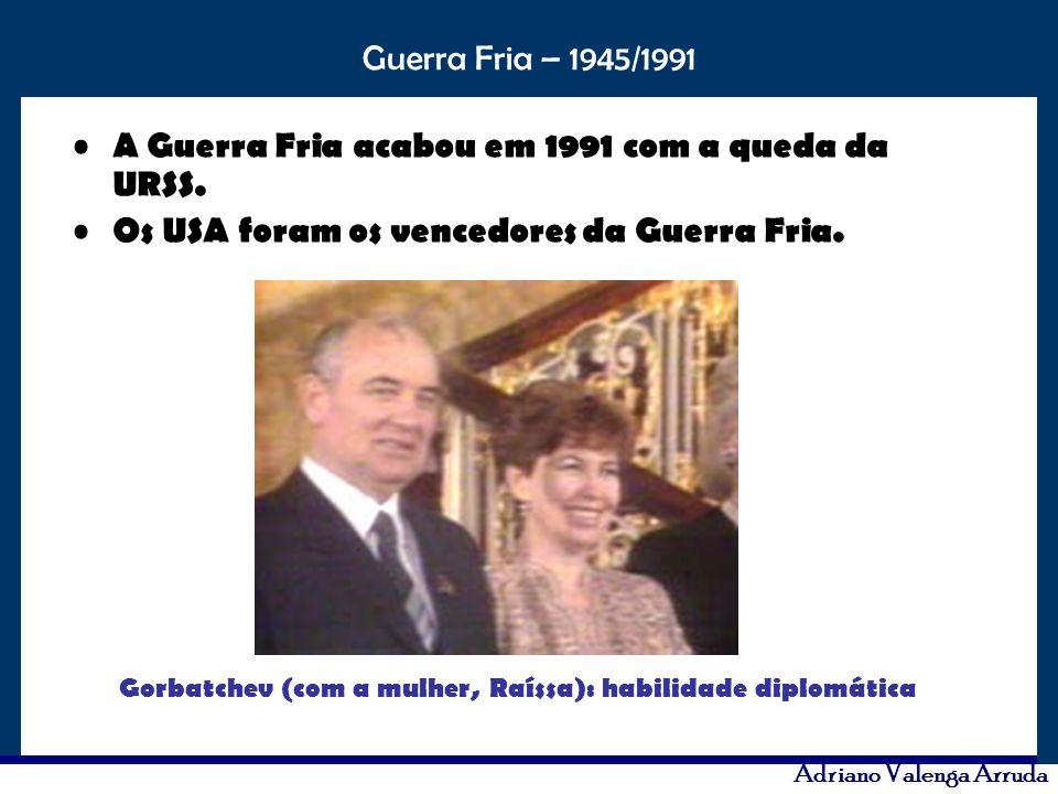 Gorbatchev (com a mulher, Raíssa): habilidade diplomática