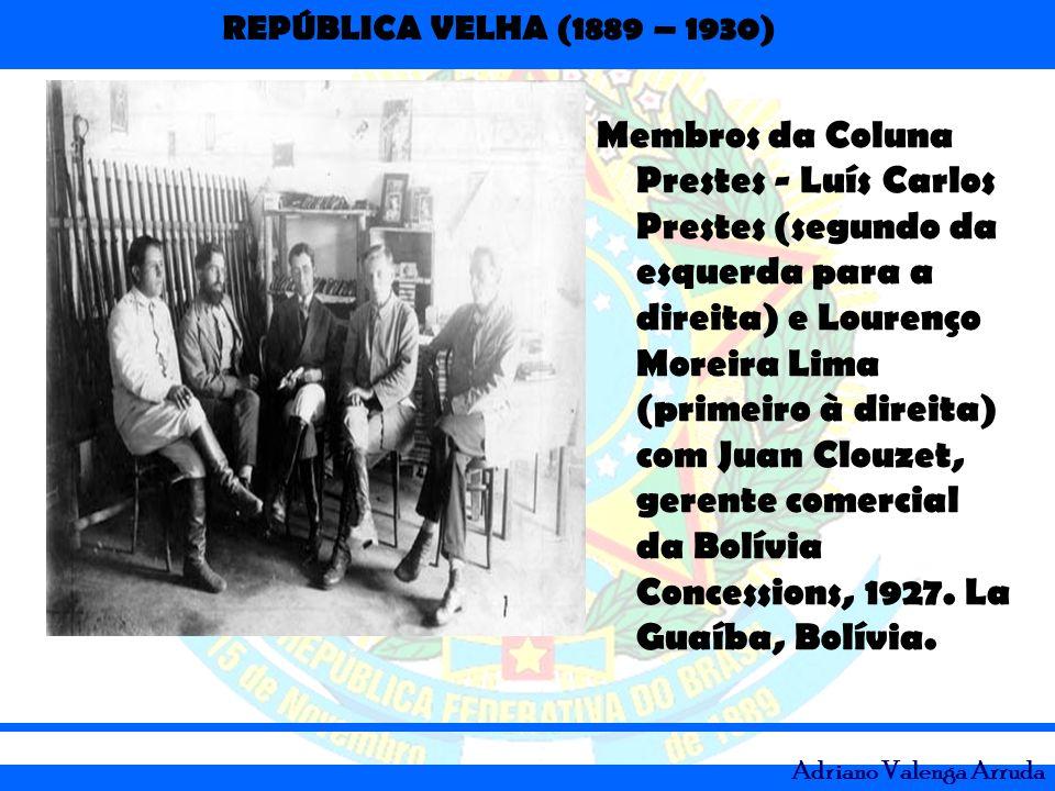 Membros da Coluna Prestes - Luís Carlos Prestes (segundo da esquerda para a direita) e Lourenço Moreira Lima (primeiro à direita) com Juan Clouzet, gerente comercial da Bolívia Concessions, 1927.