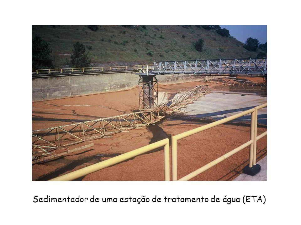 Sedimentador de uma estação de tratamento de água (ETA)