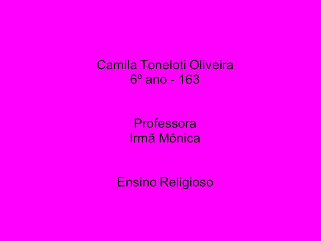 Camila Toneloti Oliveira