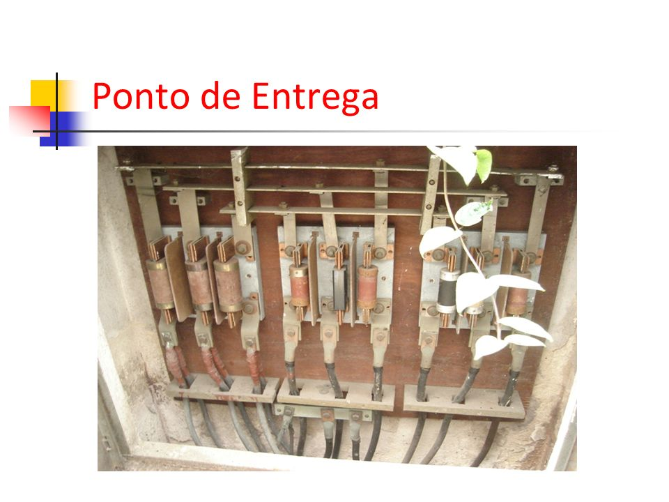 Ponto de Entrega O RECON retrata que a proteção deve ser feita por disjuntores e não fusíveis...