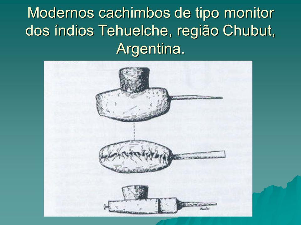 Modernos cachimbos de tipo monitor dos índios Tehuelche, região Chubut, Argentina.