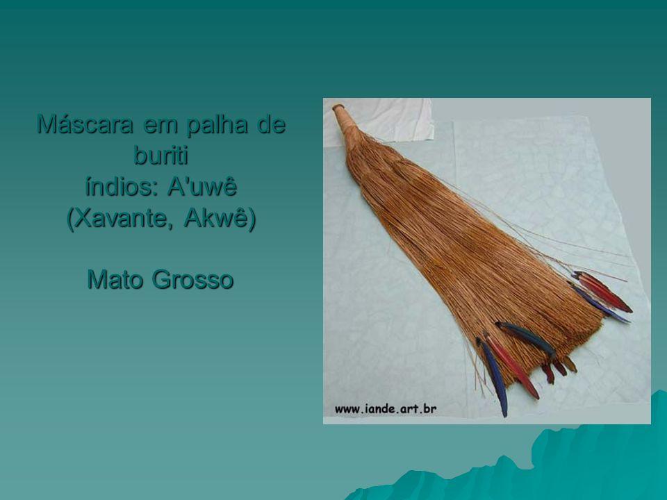 Máscara em palha de buriti índios: A uwê (Xavante, Akwê) Mato Grosso