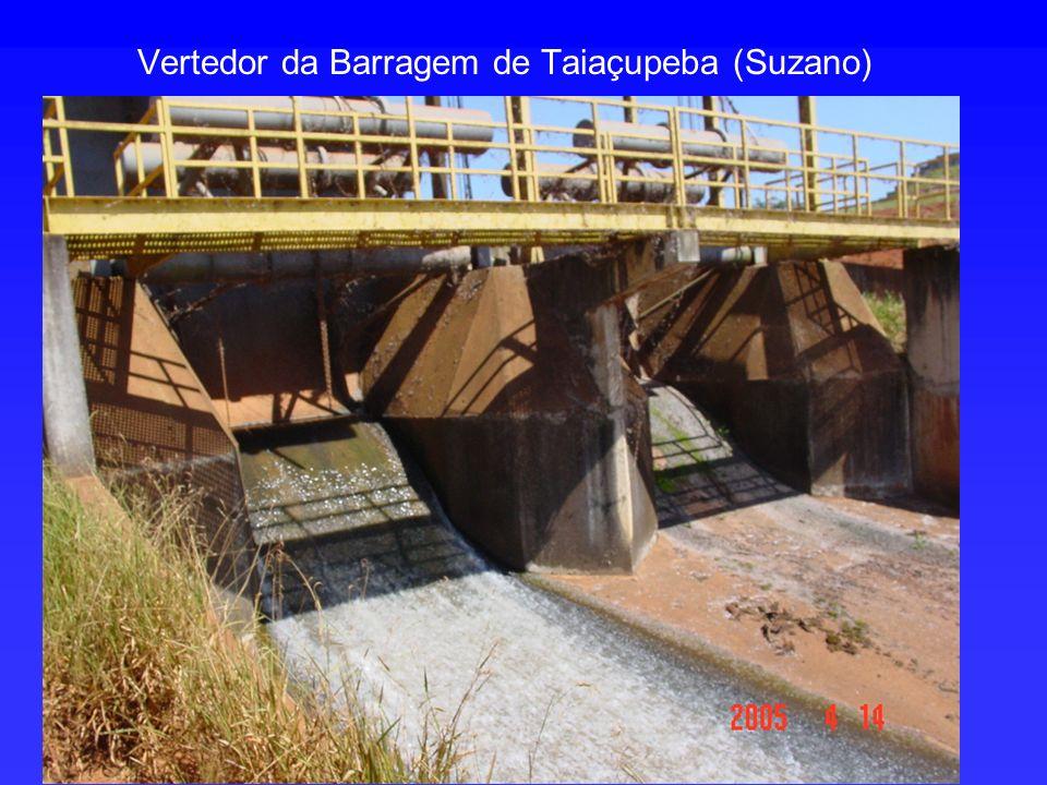 Vertedor da Barragem de Taiaçupeba (Suzano)