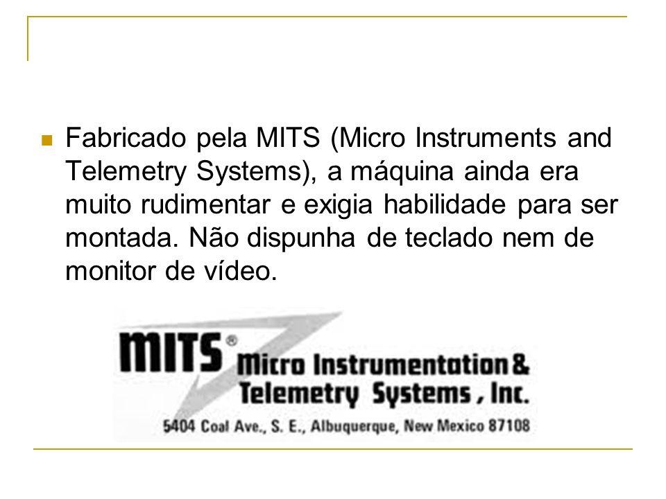 Fabricado pela MITS (Micro Instruments and Telemetry Systems), a máquina ainda era muito rudimentar e exigia habilidade para ser montada.
