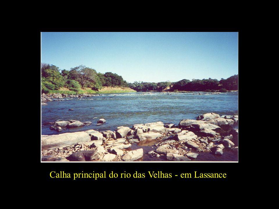 Calha principal do rio das Velhas - em Lassance