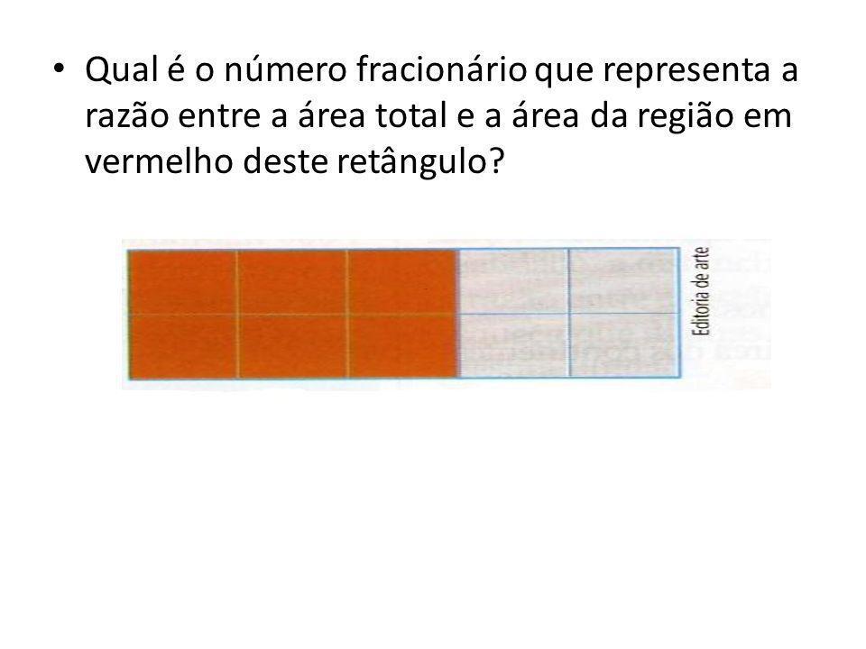 Qual é o número fracionário que representa a razão entre a área total e a área da região em vermelho deste retângulo