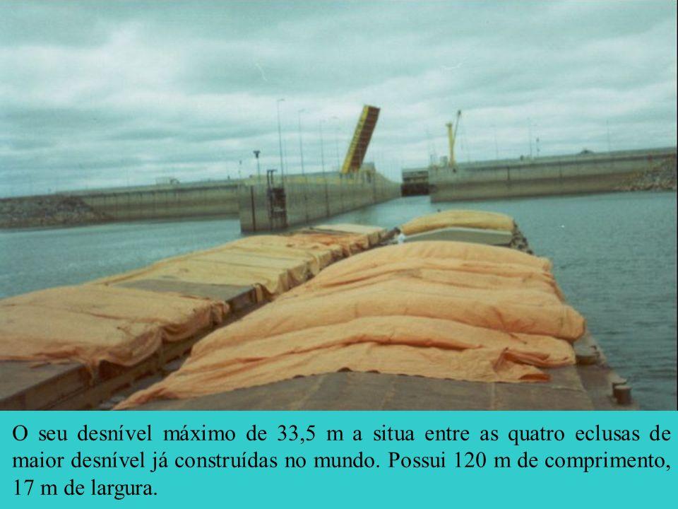 O seu desnível máximo de 33,5 m a situa entre as quatro eclusas de maior desnível já construídas no mundo.