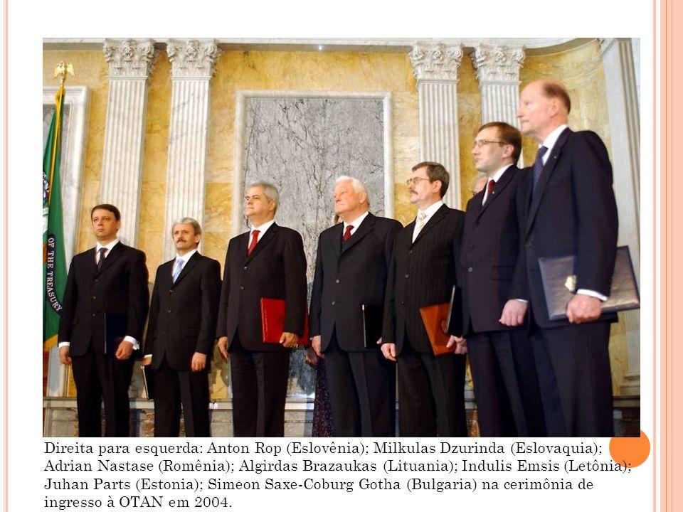 Direita para esquerda: Anton Rop (Eslovênia); Milkulas Dzurinda (Eslovaquia); Adrian Nastase (Romênia); Algirdas Brazaukas (Lituania); Indulis Emsis (Letônia); Juhan Parts (Estonia); Simeon Saxe-Coburg Gotha (Bulgaria) na cerimônia de ingresso à OTAN em 2004.