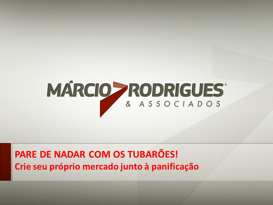 PARE DE NADAR COM OS TUBARÕES!